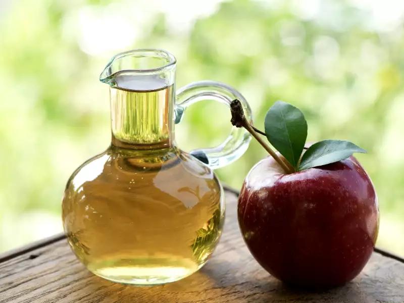 ocet jabłkowy - czy pomaga schudnąć?