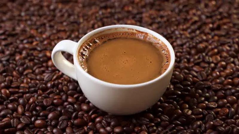 dowiedz się jak przyspieszyć mtabolizm kawą